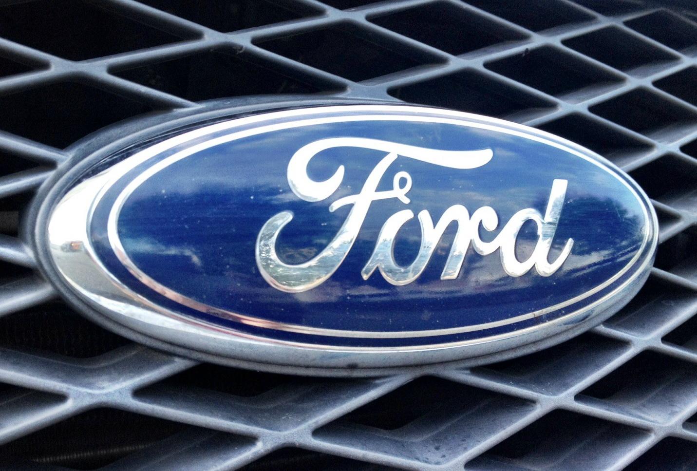 Ford cambia il suo numero uno: Fields lascia, arriva Hackett