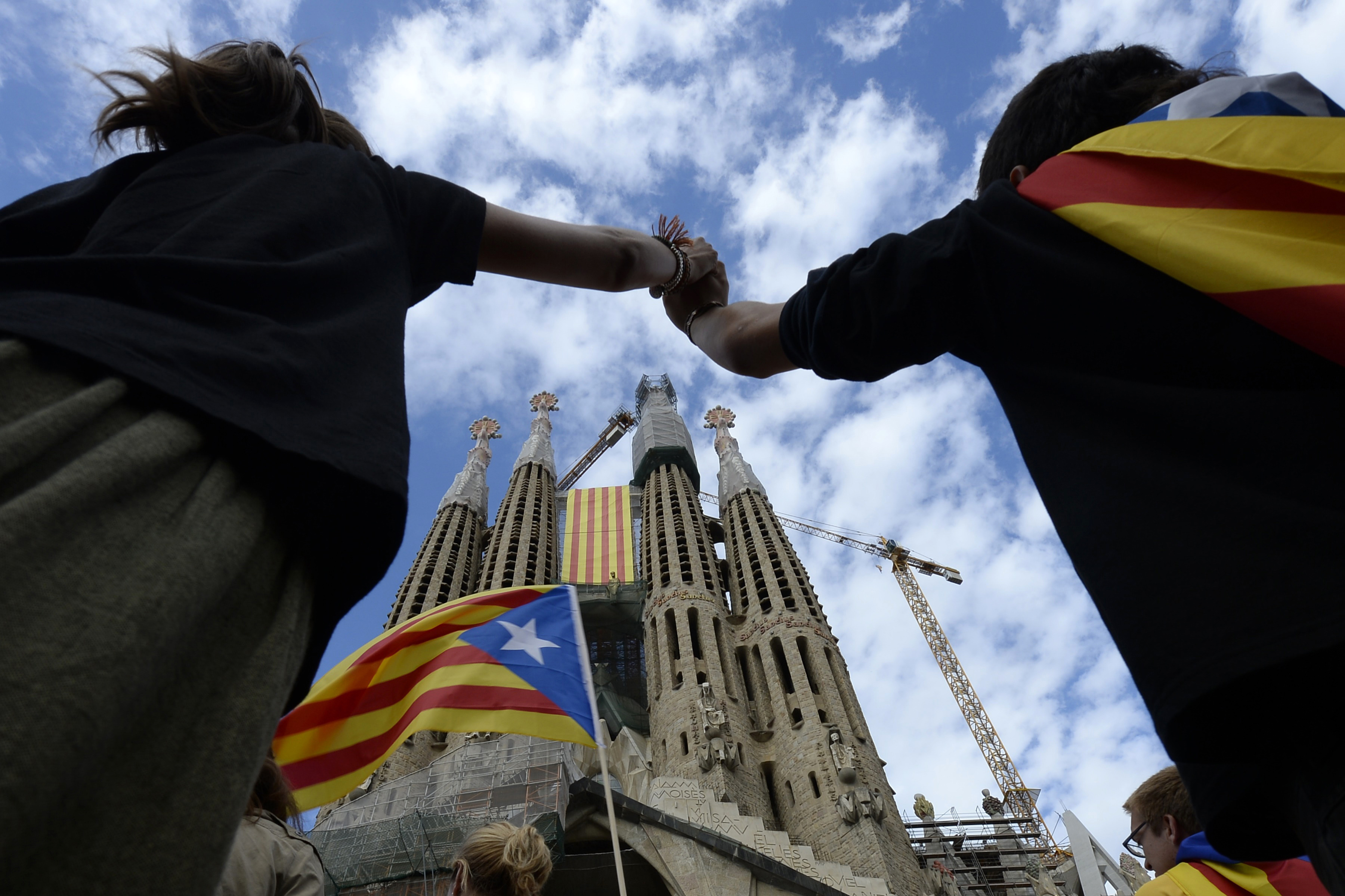 Catalogna: Puigdemont convoca referendum 1 ottobre