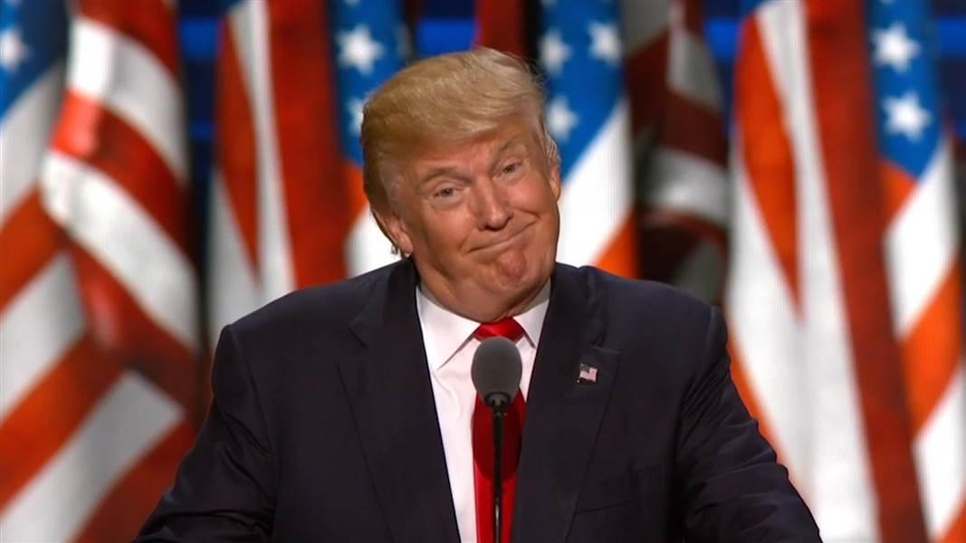 Trump 'picchia' la Cnn su Twitter. La tv: