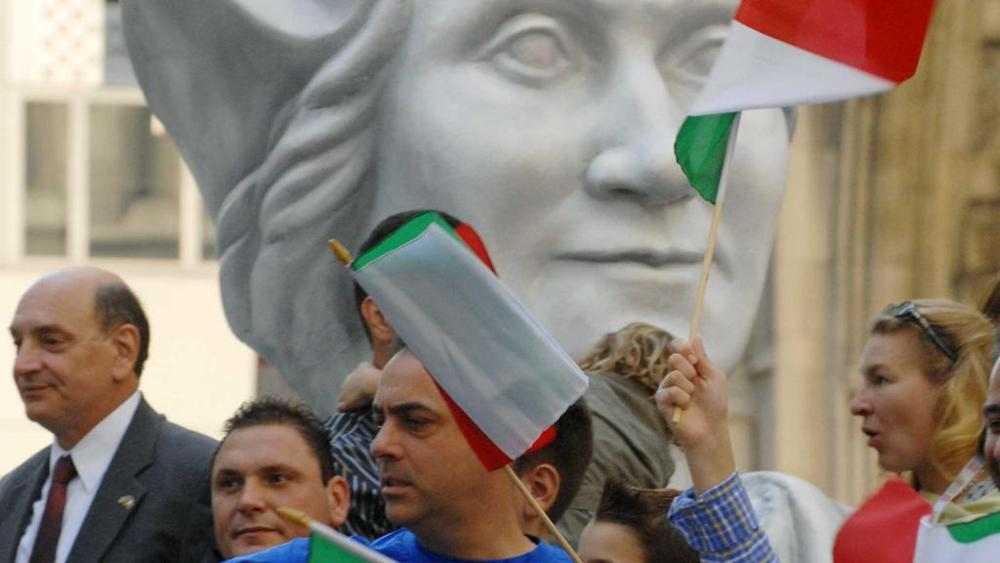 Columbus day: Genova e Savona contro gli attacchi Usa