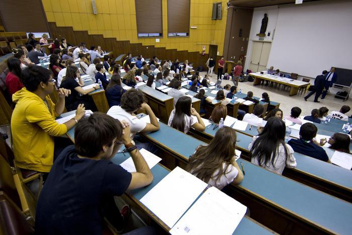 Concorsi universitari truccati, arrestati sette