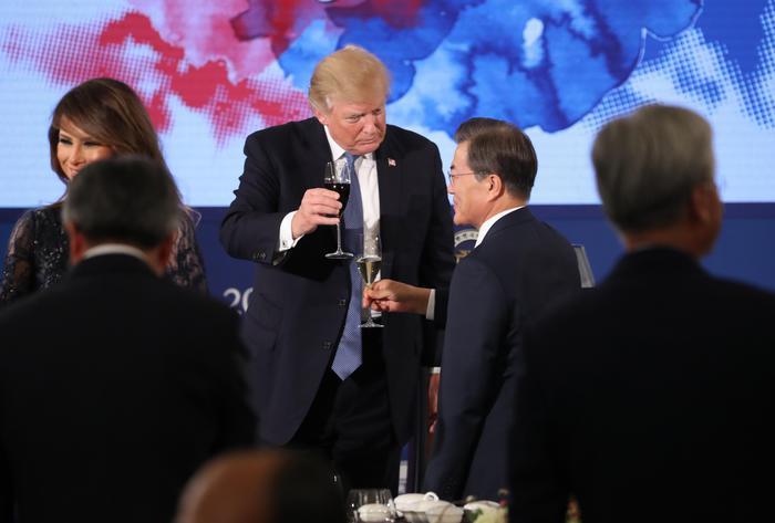 Trump minaccia la Corea del nord: nessun dittatore sottovaluti gli Usa