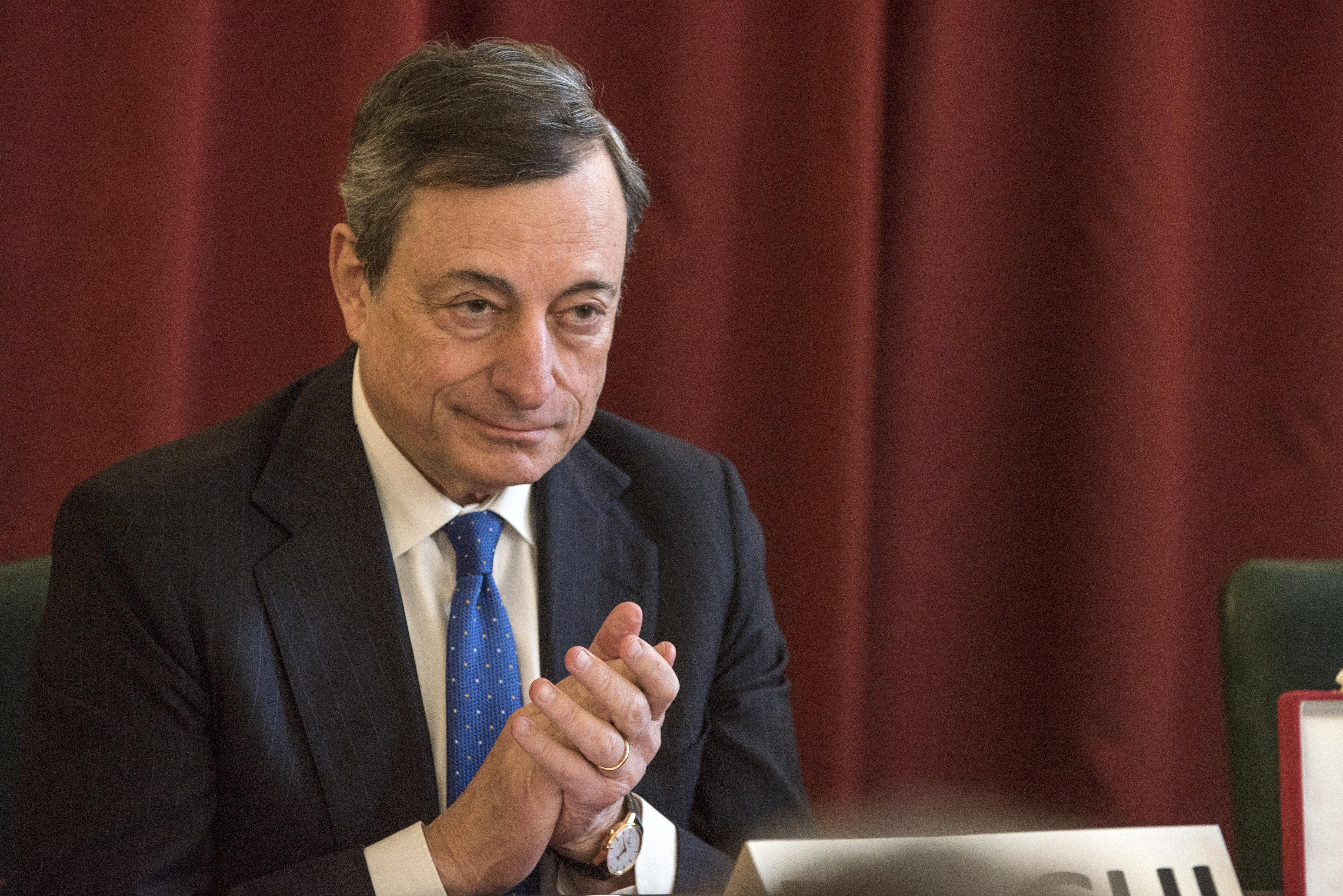 Bce: necessario proseguire QE per sostenere inflazione