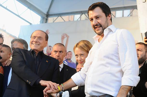 Centrodestra: ad Arcore l'incontro tra Berlusconi, Salvini e Meloni