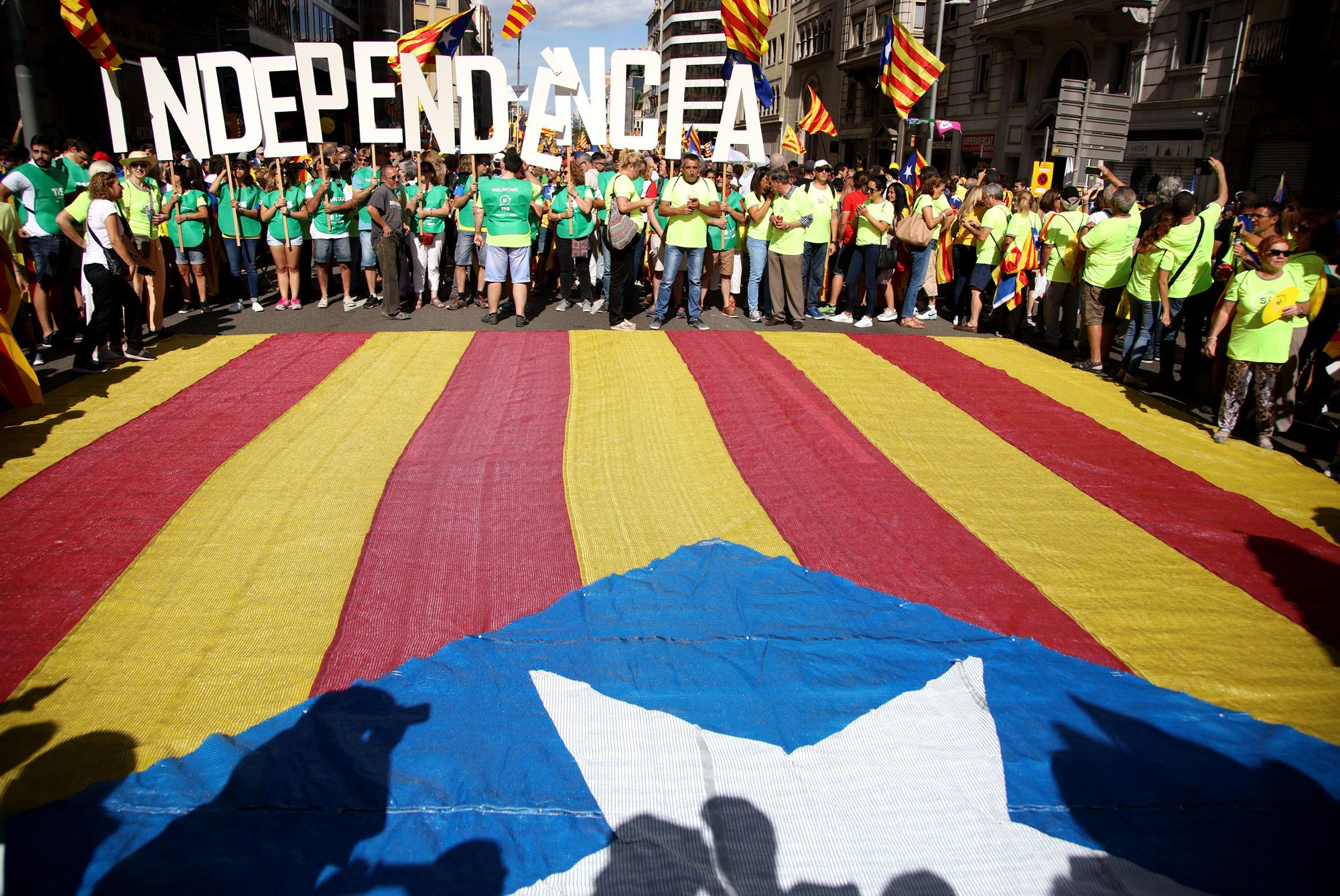 Catalogna, ex presidente Puigdemont fermato al confine con la Germania