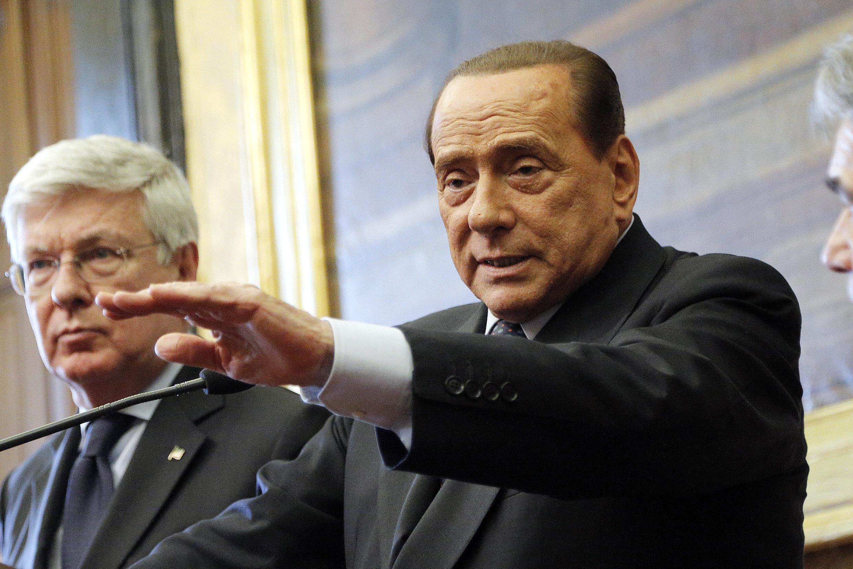 Parlamento: Romani, Berlusconi rimasto con pugne di mosche in mano