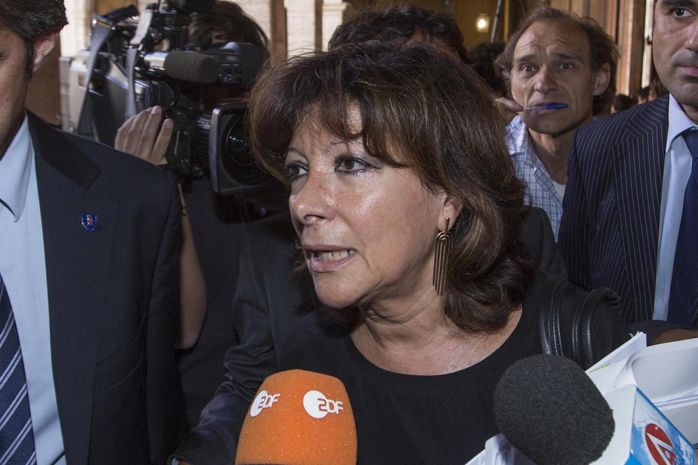 Consigliere M5s augura morte Berlusconi