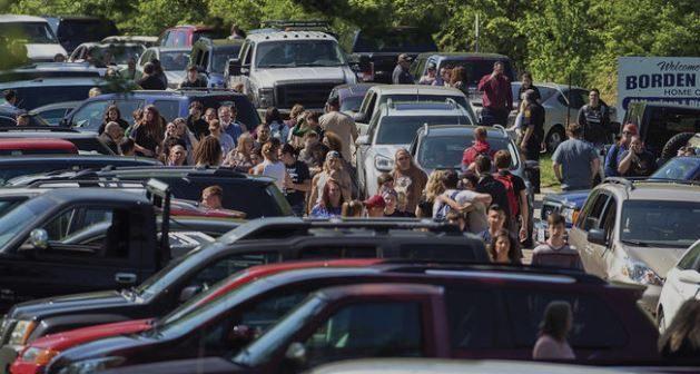 Usa, evitata strage in scuola di Dixon: gli studenti si allontanano dall'istituto