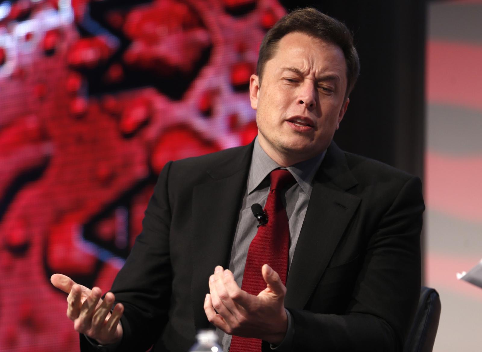 Tesla, Musk: Sto valutando la privatizzazione