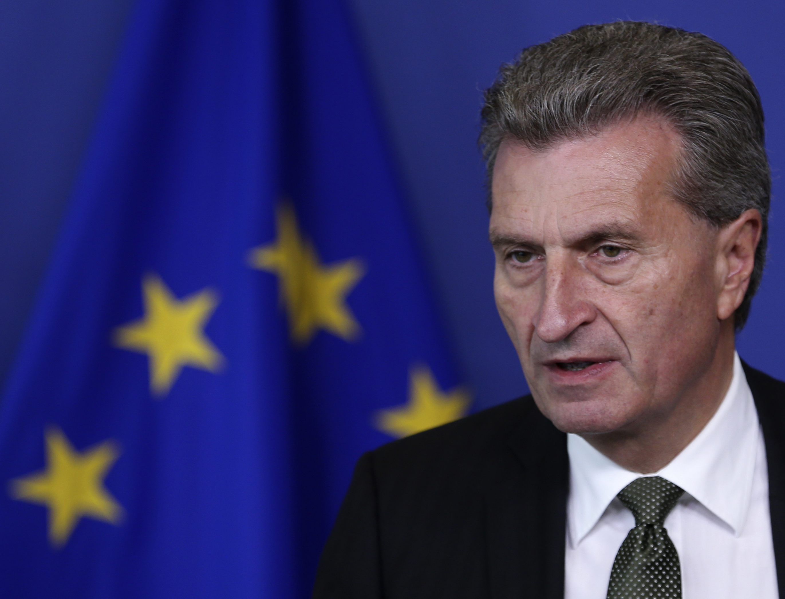 http://opinione.it/media/3877090/2-oettinger.jpg