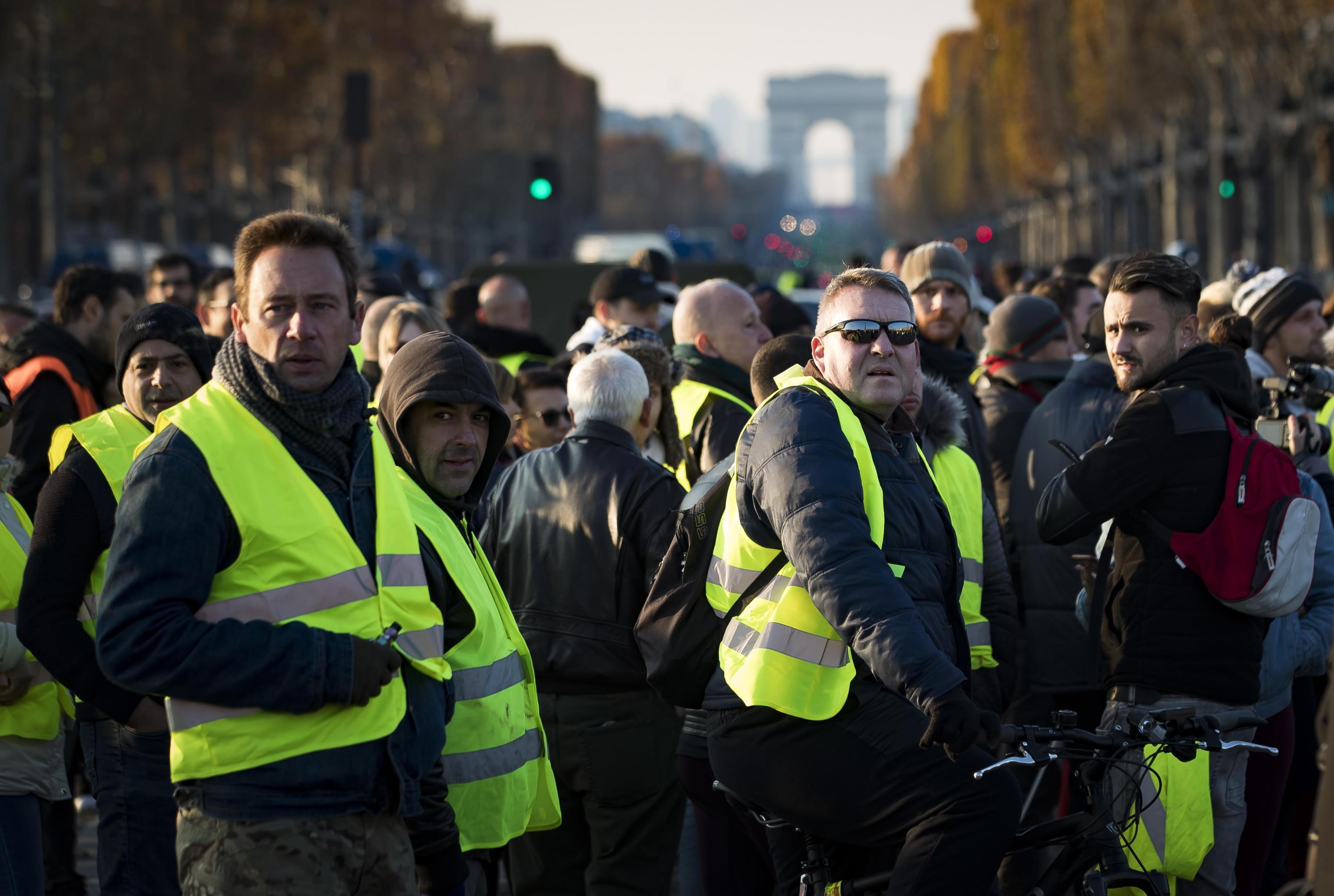 Protesta dei gilet gialli, morta una manifestante investita da un'auto