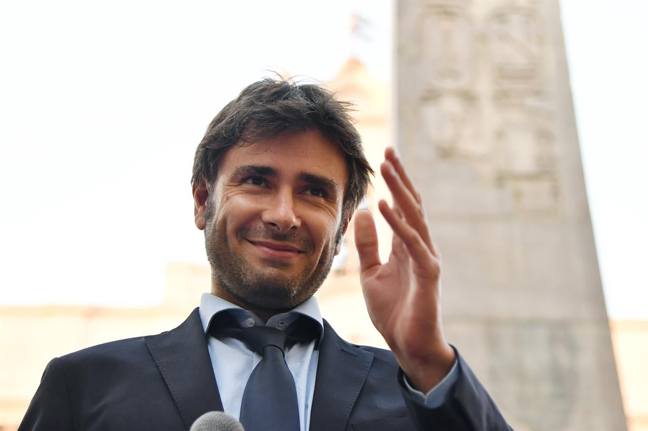 M5S: Renzi, su Di Battista tutto tace, Rai grillina ignora notizia (2)