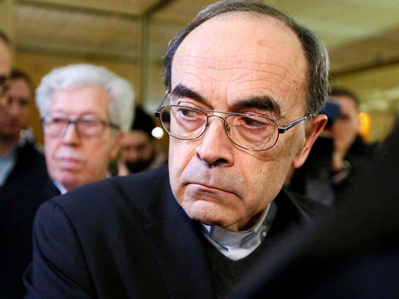 Francia, il cardinale Barbarin condannato per aver coperto abusi su minori