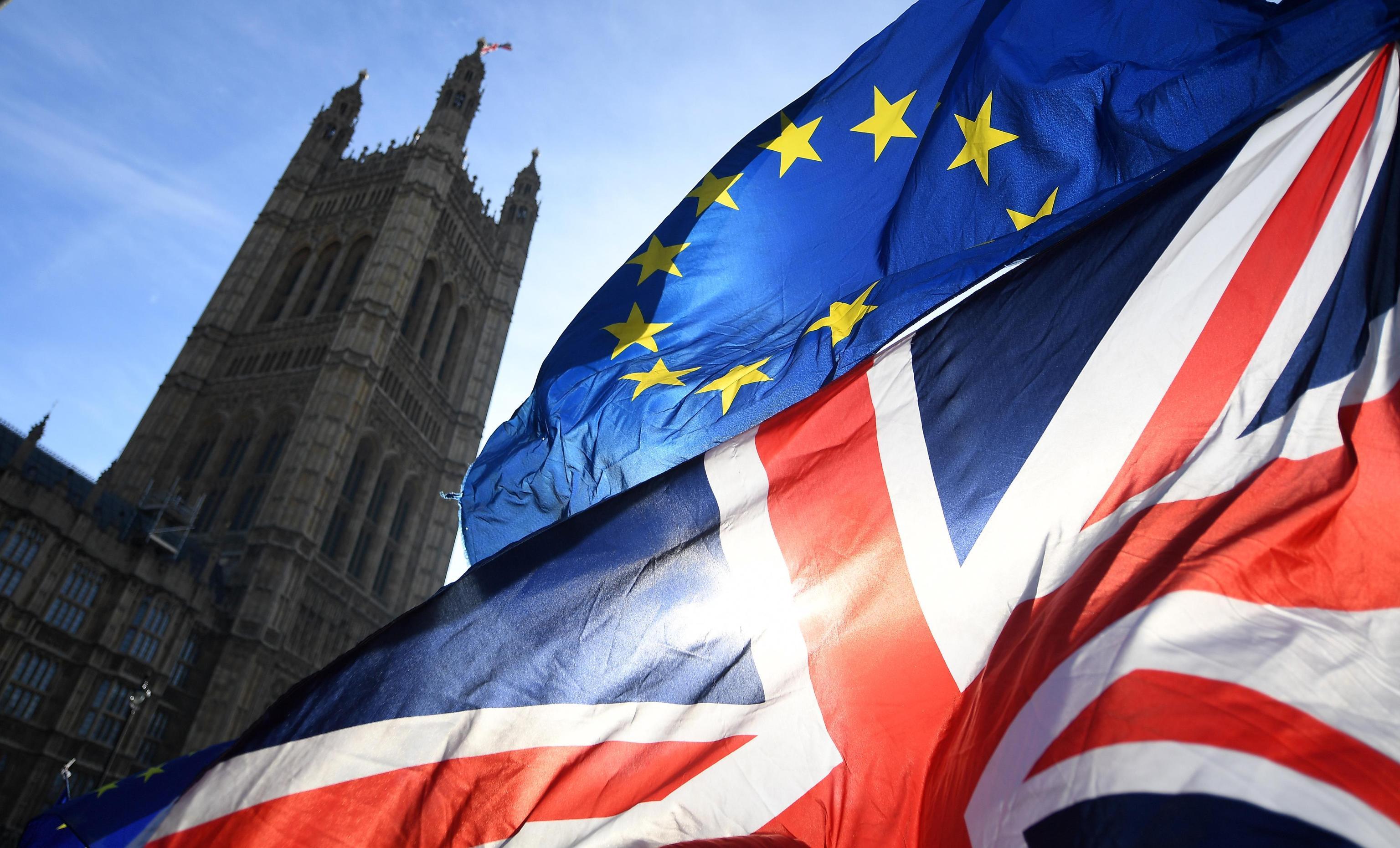 Pressing di May sul Parlamento: Brexit non oltre il 30 giugno