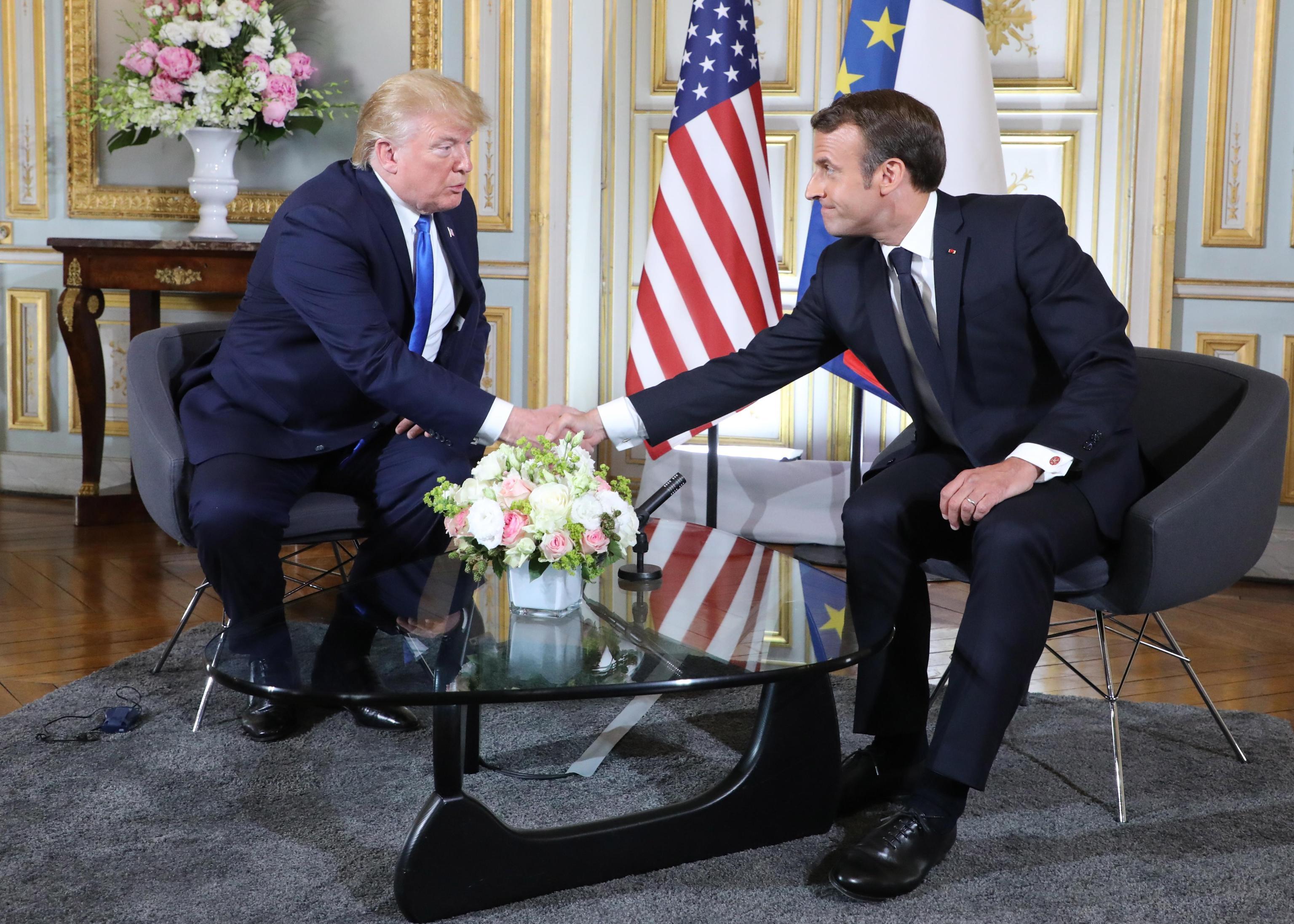 Nucleare iraniano, Trump e Macron: aprire