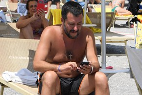 Le vacanze intelligenti di Salvini