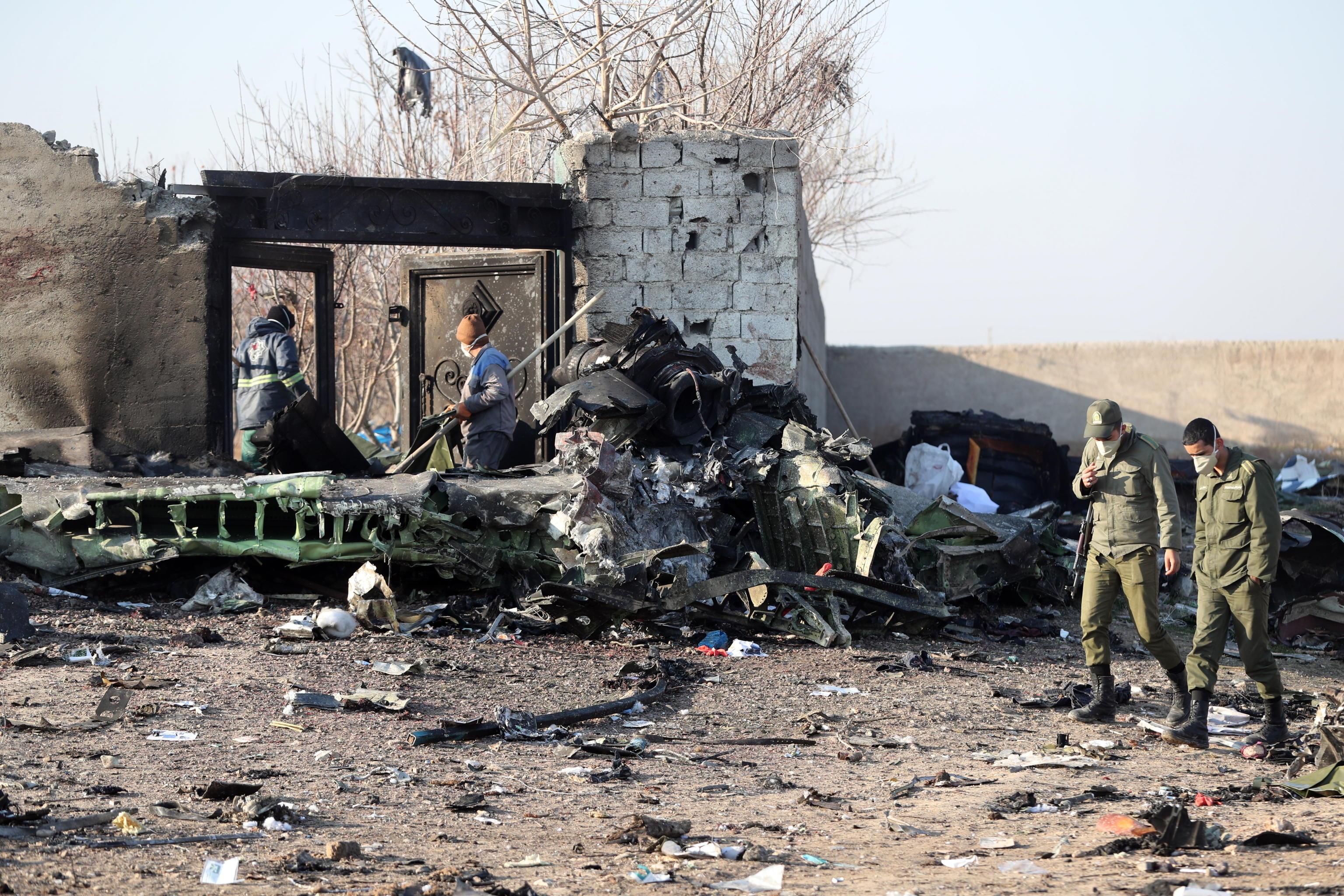 Aereo ucraino precipitato: abbattuto per errore da due missili